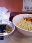 「つけ麺中盛+赤ネギ+味玉」@みの麺多の写真