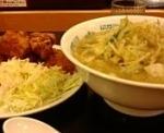 「野菜たっぷりタンメン490円+唐揚げ470円」@日高屋 柏西口店の写真