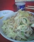 「汁なし(カラメ・魚粉・豚増量)+生玉子」@ラーメン二郎 環七一之江店の写真