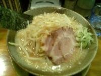 「もやしらーめん大盛(細め+固め+醤油)」@らあ麺 やったる 新宿店の写真