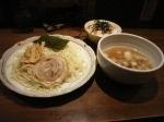 「塩だれつけめんセット(塩つけ+チャーシューご飯)900円」@らーめん やじるし 下北沢店の写真