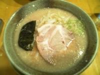 「らーめん・醤油・太麺・大盛(¥650)」@らあ麺 やったる 新宿店の写真