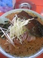 「味噌チャーシュー(固め・コッテリ・味薄め) 辛味スパイス×3」@ラーメンショップ 尾島店の写真