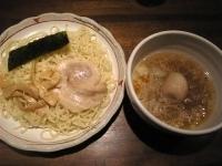 「塩だれつけ麺(+トッピング煮玉子)」@らーめん やじるし 下北沢店の写真
