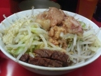 「汁なし(全マシ・魚粉ダブル) +生たまご」@ラーメン二郎 環七一之江店の写真