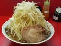 「ラーメン(太麺、野菜マシ)」@ラーメン麺徳 東陽町店の写真
