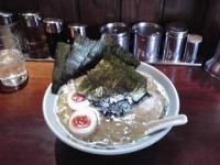「ラーメン中盛り(固め)」@壱八家 弘明寺店の写真