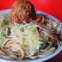 「黄金爆弾麺 (1,000円)」@麺でる 田園調布本店の写真