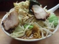 「らーめん大盛+肉増し+野菜」@極太濁流ラーメン ロッキーの写真