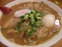 「大盛りラーメン(熟成)(+味玉)」@麺や紡の写真