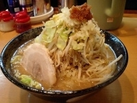 「角ふじ麺(中盛り)麺固め」@常勝軒 本庄店の写真