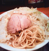 「小ラーメン 全マシ (700円)」@製麺所 豚とこむぎの写真