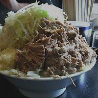 「ラーメンブタ増し(ヤサイはうんと多くしてください、ブタWはないの」@麺とび六方の写真