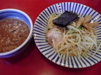 「つけ麺 750円+替え玉 100円」@博多まるきんラーメン 春日店の写真