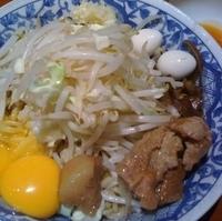 「油そば(¥700)+卵黄2ヶ(¥100)」@らーめん大 大森店の写真