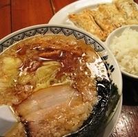 「秘蔵ばんから+クーポン棒餃子」@東京豚骨拉麺 ばんから 熊谷店の写真