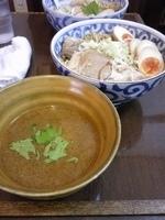 「特製醤油辛つけ麺 + 味玉」@一刀斎の写真