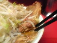 「小ラーメンぶた入り(野菜ニンニク)」@ラーメン二郎 桜台駅前店の写真