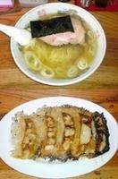 「素ラーメン(具入り)+餃子」@米屋の写真