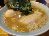 「らーめん(中盛り&味玉)」@横浜ラーメン とんこつ家 いわき店の写真