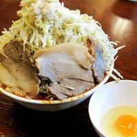 「辛ラーメン 大 + ぶた + 生卵 + 魚粉」@ドン-キタモトの写真