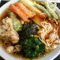 「ラーメン(麺硬め)¥570 天ぷら¥310」@更科の写真