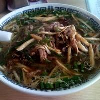 「チンジョウロースメン(青椒肉絲麺) 700円」@本格上海風食堂 燕雲の写真