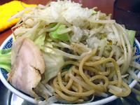 「角ふじ麺(中盛・ニンニク少なめ)@700」@前勝軒の写真