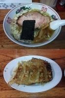 「塩ラーメン+餃子」@米屋の写真