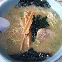「ラーメン(麺硬め・アブラ多め)¥600」@ラーメンショップ 塚崎店の写真