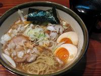 「中濃にぼし麺(普通盛)+味玉@750+100」@大八車の写真