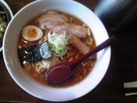 「醤油拉麺 630円+210円麺大盛り+200円チャーハンセット(」@ふうふう亭の写真