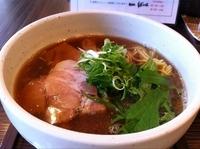 「あっさり醤油らー麺」@麺処 ばっはの写真