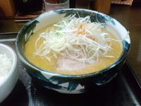 「赤味噌ラーメン650円+ライス(無料)」@梟 環八羽田店の写真