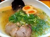 「塩ラーメン+味玉」@麺みやざわの写真