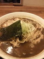 「中華そば(太麺)大盛 :油少な目+半熟煮玉子・・・・・900円」@くりの木 加須店の写真