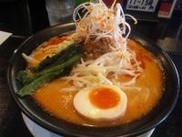 「赤坦々+炒飯」@らーめん雷蔵 新宮本店の写真