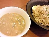 「煮干しとんこつ白つけ麺(700円)」@煮干とんこつ つけ麺 TMD420G 新目白店の写真