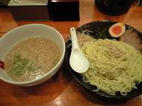 「TJつけ麺(850円)+ミニチャーシュー丼(300円)+ウーロン」@赤坂屋 前橋吉岡店の写真