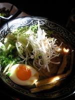 「知床とり塩ラーメン750円+餃子セット250円」@たけうちの写真