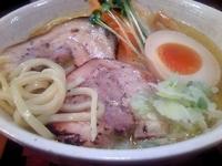 「トリウオシオ ラーメン (大) 900¥」@麺舎 ヒゲイヌの写真