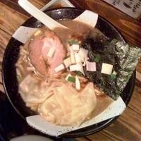 「煮干しラーメン¥750」@すごい煮干ラーメン凪 新宿ゴールデン街店 本館の写真