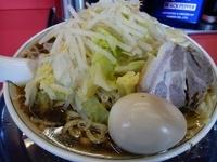 「ラーメン 700円 3連麺 玉子 野菜 麺多め」@麺でる 田園調布本店の写真