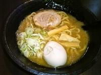 「中華蕎麦+半熟煮たまご」@中華蕎麦 御輿の写真