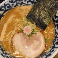 「豚骨魚介らー麺」@東京駅 斑鳩の写真
