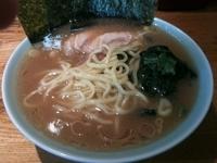 「ラーメン並み(油少なめ)+チャーシュー(¥650+¥100)」@菊地家の写真