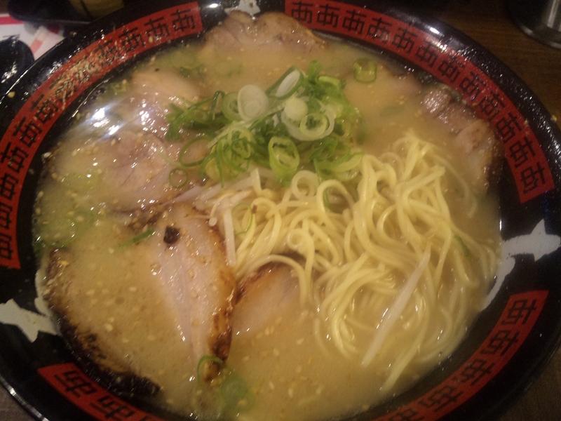 【宝塚】本場の博多とんこつからデカ盛りまで!宝塚市内にあるラーメン店5選