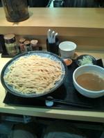 「素つけ麺 250g(具材はネギと薬味のみ)…500円+大盛り 4」@つけ麺 道の写真