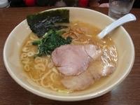 「らーめん(太麺)」@新星家の写真