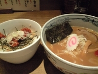 「六三六ラーメン+いかラーごはん(690円+250円)」@麺や 六三六 名駅店の写真